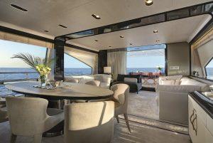 Rotas Comunicação - LUXO – Lanchas a megaiates de alto luxo: veja barcos incríveis no maior salão náutico do Sul do país