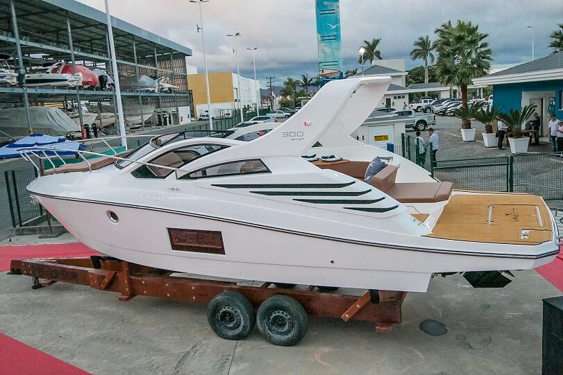 Rotas Comunicação - Negócios – Armatti Yachts oferece bônus de R$ 15 mil para linha de barco de 30 pés