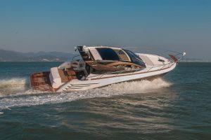 Rotas Comunicação - Lançamento – Barco com design superesportivo será lançado em setembro no Brasil