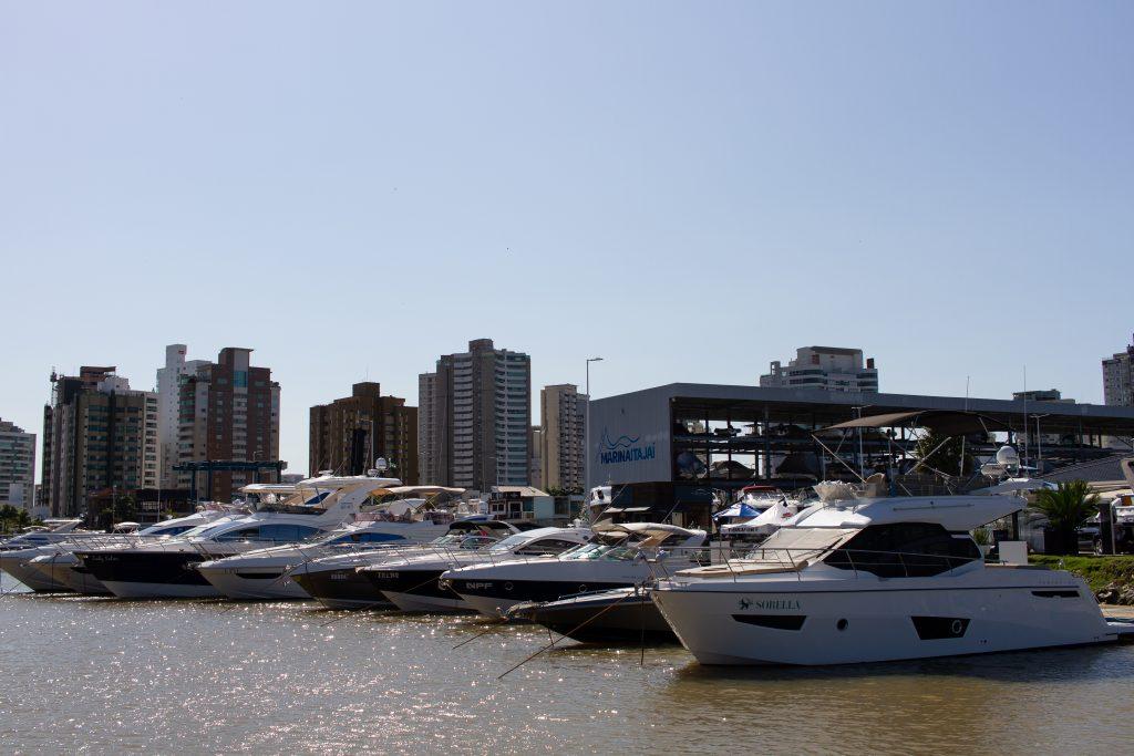 Rotas Comunicação - NEGÓCIOS – Feira de barcos seminovos em SC movimenta R$15 milhões em negócios