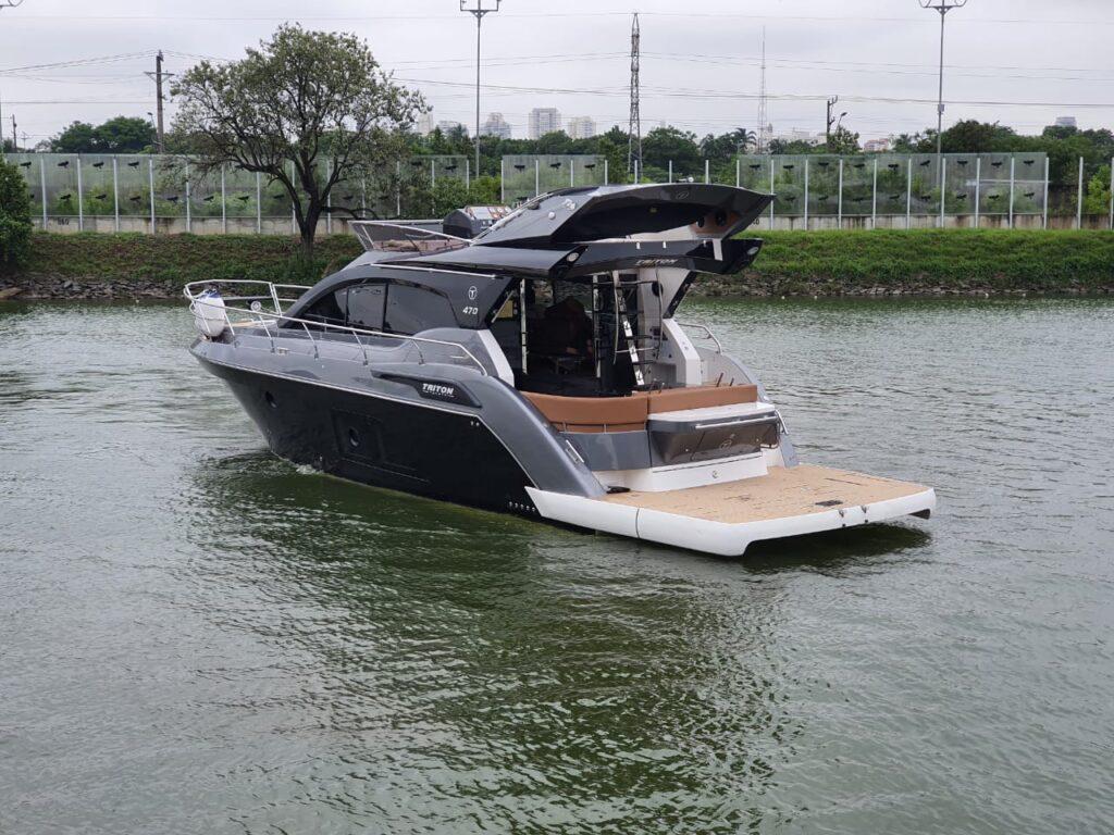 Rotas Comunicação - LUXO – Nova lancha de 47 pés da Triton Yachts é destaque no São Paulo Boat Show 2020