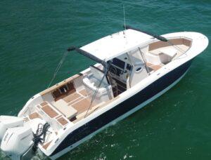 Rotas Comunicação - VEÍCULOS – Versão 2021 do barco Fishing 320 CC é lançada no mercado brasileiro
