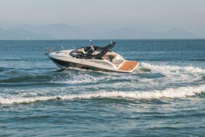 Rotas Comunicação - ECONOMIA – Fábrica de embarcações investe em linha de produção exclusiva