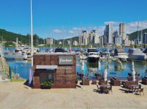 Rotas Comunicação - NÁUTICA – Marina Itajaí ganha ponto de venda da Fibrafort