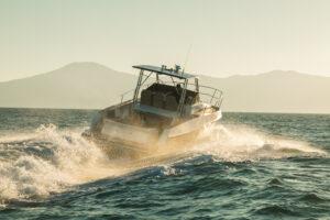 Rotas Comunicação - NÁUTICA – Fabricante de embarcações anuncia lançamento da Fishing 420 Raptor